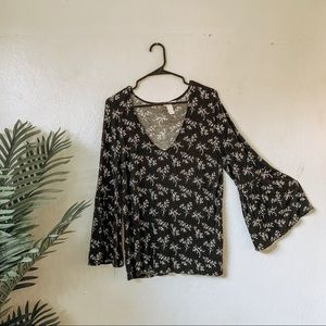 Flare arm blouse floral
